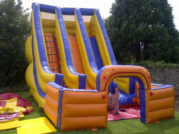 20 x 15 x 24 ft Twin Lane Giant Slide - R Leisure Hire Ltd - 01524 733540